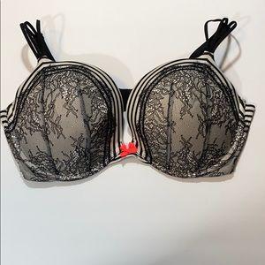 Victoria's Secret very sexy push up bra 38DD